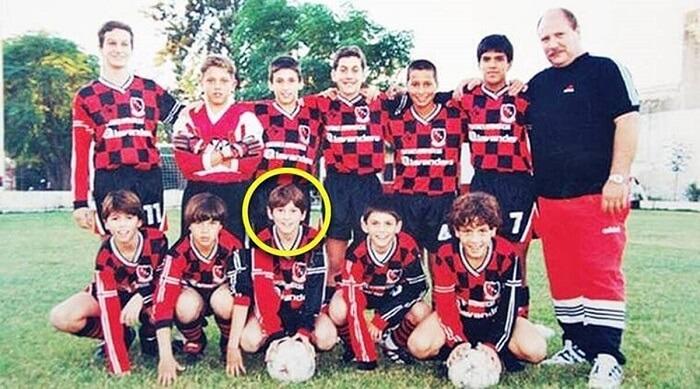 Messi gia nhập lò đào tạo La Masia của Barca khi mới 13 tuổi.